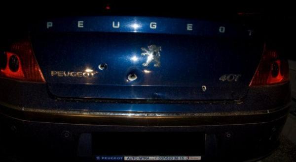Kedy môžu policajti po vodičovi strieľať a ako Vás smie zastaviť cestná kontrola?