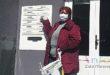 Seniori dostávajú rúška, mestskí poslanci ich roznášajú po schránkach