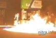 MIMORIADNE – žena sa pokúsila zapáliť benzínom na čerpacej stanici