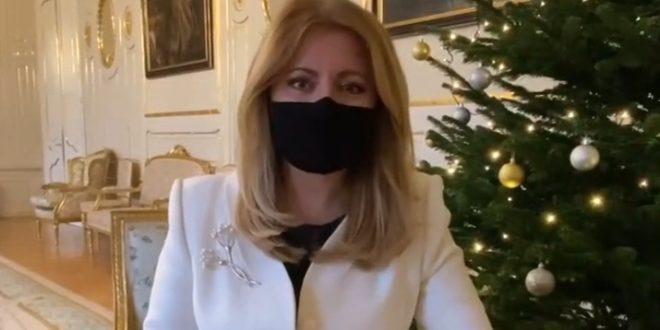 Včela ako darček od šiestakov zo ŽS Mojmírova pre p. prezidentku Zuzanu Čaputovú