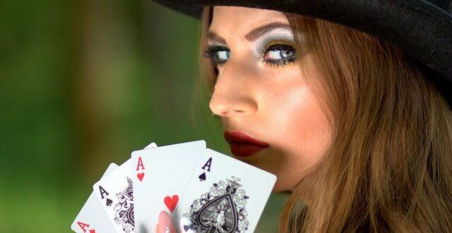 Ste ZA alebo PROTI zákazu umiestnenia herní a kasín na území Mesta Zlaté Moravce?