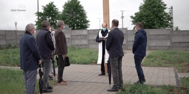 Vysvätenie novej časti zlatomoraveckého cintorína